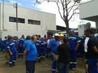 Trabalhadores do Codau fazem paralisação em Uberaba