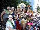 Preta Gil arrasta foliões pelo Rio em bloco cheio de amigos famosos
