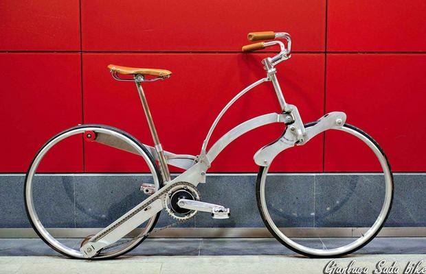 Italiano cria bicicleta que dobra no tamanho de um guarda-chuva  (Foto: Divulgação)