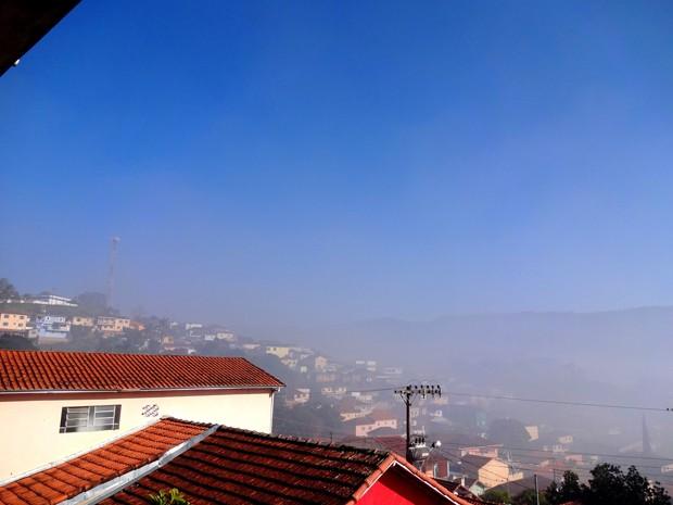 Fumaça, lixo, incêndio, Lambari (Foto: Danilo Cândido da Silva)