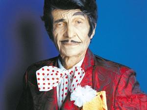 Jorge Loredo, na pele do personagem Zé Bonitinho, em foto de abril de 2003 (Foto: Ana Ottoni/Folhapress/Arquivo)