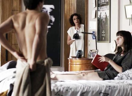 Marta flagra Lica e Felipe