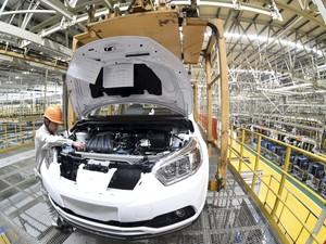 Governo chinês cortou impostos sobre carros de até 1.6 litro (Foto: REUTERS/Stringer)