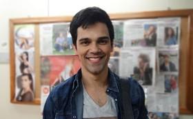 Ator fala da virada de Filipinho ao se assumir gay: 'Pode ser encarado de forma simples'
