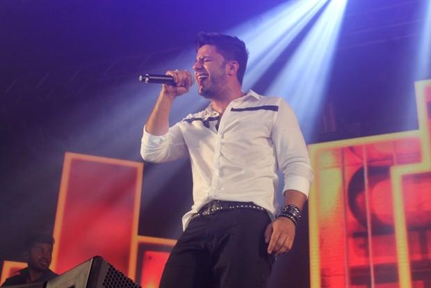 Cristiano Araújo no palco (Foto: Marcela Macedo/Agnews)