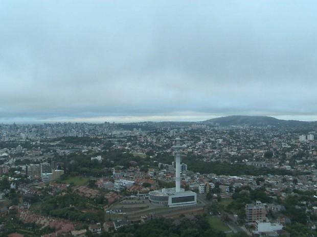 Tempo Porto Alegre seco sol terça  (Foto: Reprodução/RBS TV)