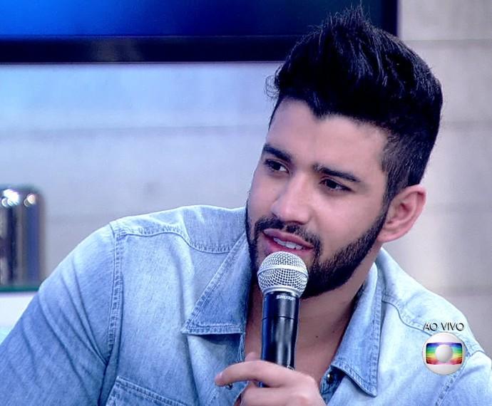 Gusttavo Lima revela que términos de namora servem para inspiração na hora de compor (Foto: TV Globo)