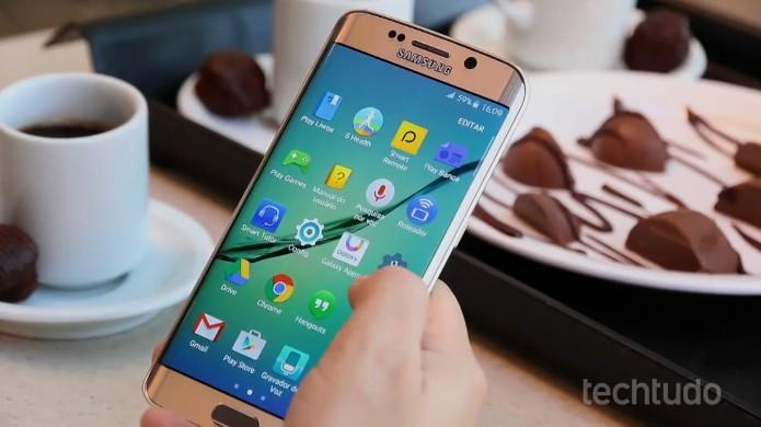 Interface TouchWiz dos Galaxy S6 e S6 Edge traz apps da Samsung (Foto: Lucas Mendes/TechTudo)