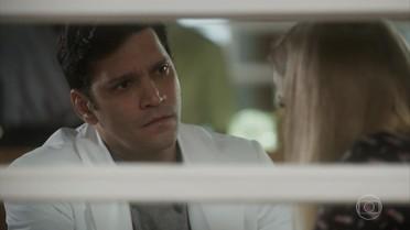 Bruno sugere que Jéssica denuncie a agressão