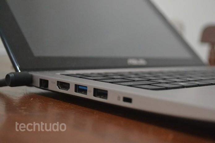 Recarregar a bateria com laptop ligado pode ser prejudicial (Foto: TechTudo/Thiago Barros) (Foto: Recarregar a bateria com laptop ligado pode ser prejudicial (Foto: TechTudo/Thiago Barros))