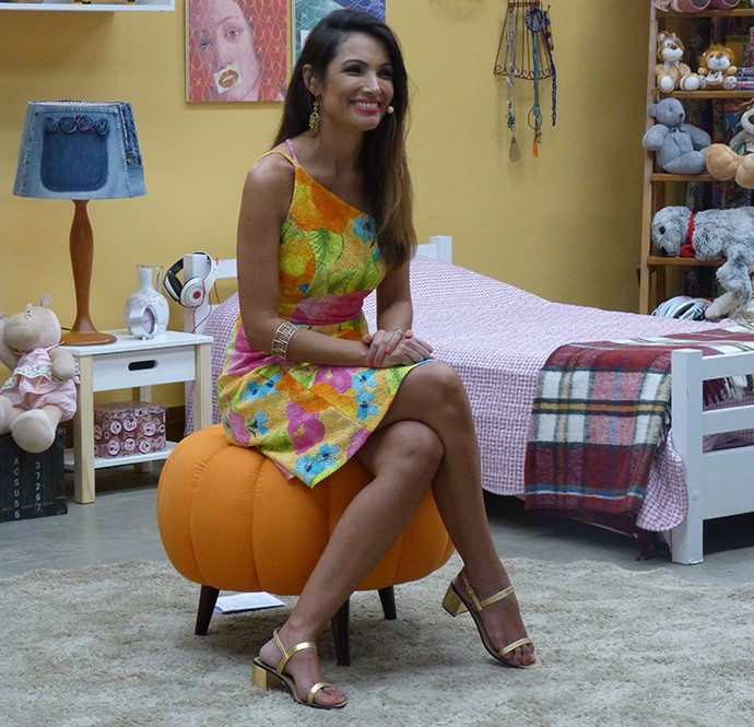 Patrícia Poeta surpreendeu internautas com look colorido e silhueta mais magra (Foto: Gabi Freitas / Gshow)