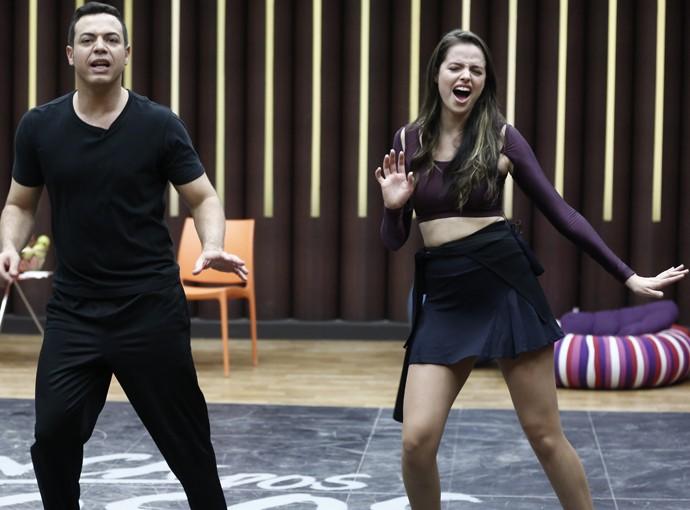 Agatha se entrega à coreografia (Foto: Inácio Moraes / Gshow)