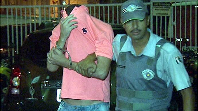 Piá é levado para a cadeia (Foto: Márcio de Campos/EPTV)