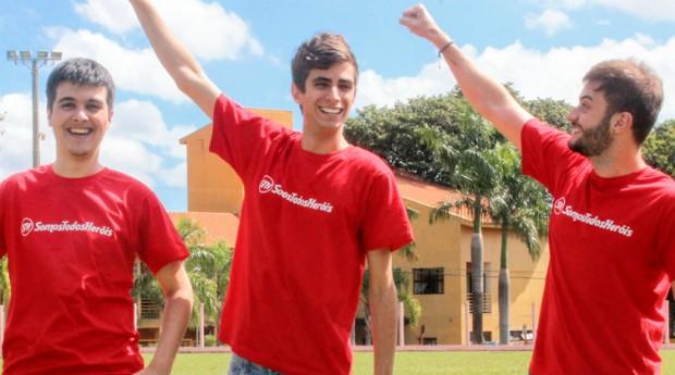 Da esquerda para a direita, a equipe do Somos Todos Heróis: Marco Schaefer, Igor Marinelli e Fuad Schiavon (Foto: Divulgação)