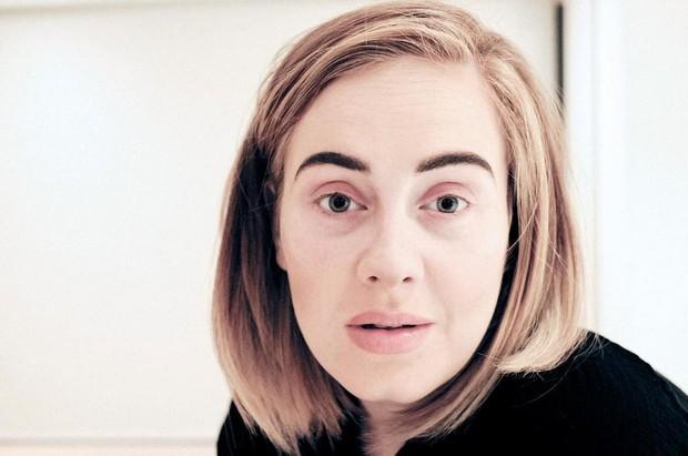 Adele aparece sem maquiagem (Foto: Reprodução/Instagram)