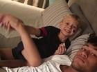 Neymar posta foto com o filho na cama: 'Boa noite'