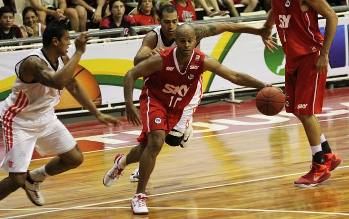 basquete Flamengo x Pinheiros (Foto: Marco Aurélio / Fla Imagem)