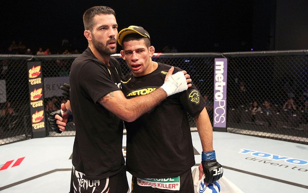 Matt Brown e Luis Ramos após luta do UFC (Foto: Getty Images)