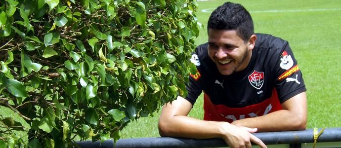 Lateral Diego Renan acompanha treinamento do Vitória na Toca do Leão (Foto: Divulgação/E.C. Vitória)