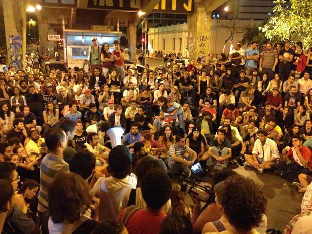 Reunião em Belo Horizonte discute rumos dos protestos na capital mineira (Foto: Raquel Freitas / G1)