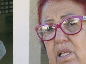 Aparecida Medeiros Gonçalves diz que suspeito batia na vítima desde quando ela foi morar com ele (Foto: Reprodução/TV TEM)