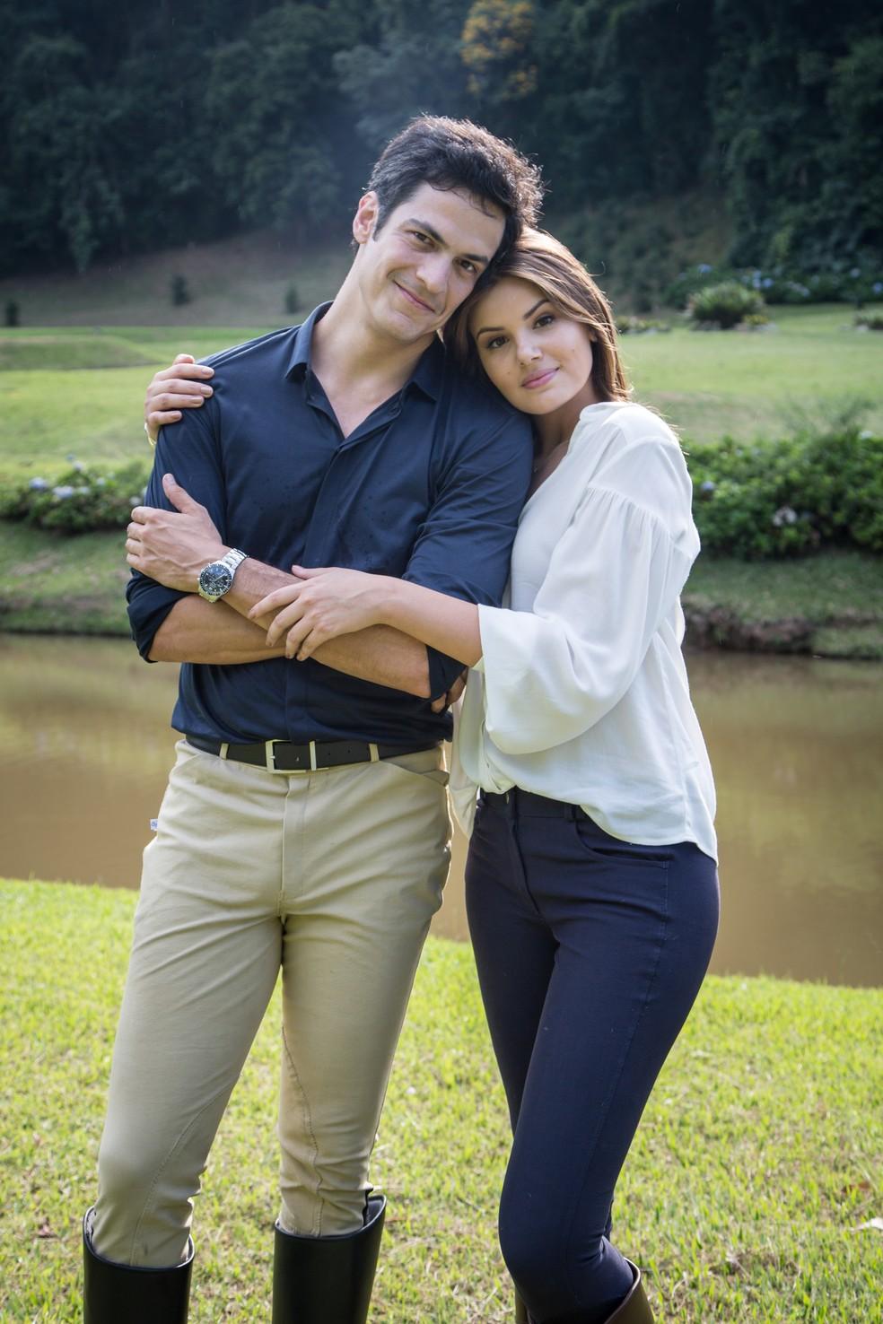 Mateus Solano e Camila Queiroz serão o casal de protagonistas, Eric e Luíza (Foto: Adriana Garcia/Gshow)