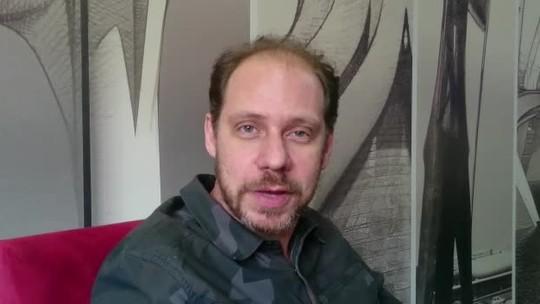 'Legião nunca foi tão atual', diz ator de musical sobre Renato Russo no DF