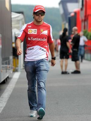 Felipe Massa no paddock de Spa-Francorchamps, na Bélgica (Foto: Reuters)