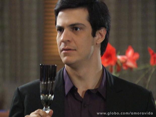 Félix se decepciona com Niko (Foto: Amor à Vida\ TV Globo)