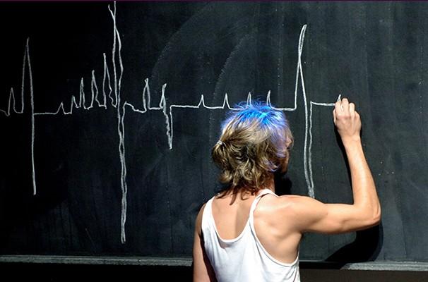 """Cena de """"Amor de Improviso"""", da Cia. Elevador de Teatro Panorâmico (Foto: Divulgação)"""