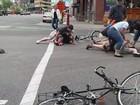 Ciclistas são presos por atacar com  água participantes de 'pub móvel'