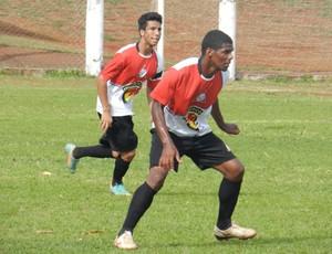 Brasília e Rudson da Associação Desportiva Uberlandense (Foto: Gullit Pacielle)
