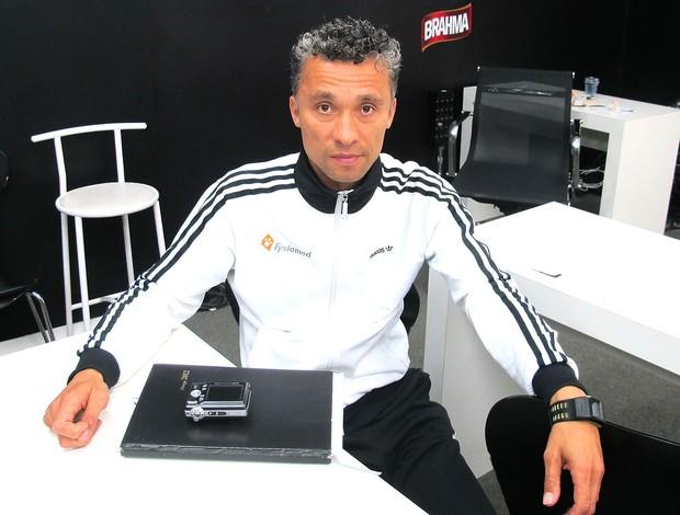 Leo Echteld, fisioterapeuta de Seedorf  Botafogo (Foto: Thales Soares / Globoesporte.com)