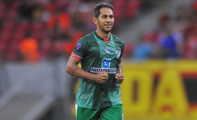 Anderson Lessa na partida contra o Sport (Foto: Aldo Carneiro/Pernambuco Press)