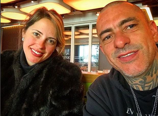 Carine Ludvic e Henrique Fogaça (Foto: Reprodução Instagram)