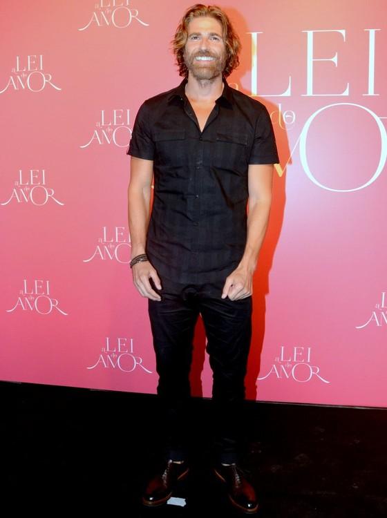 Reynaldo Gianecchini foi um dos primeiros à chegar na festa de lançamento da novela (Foto: TV Globo)