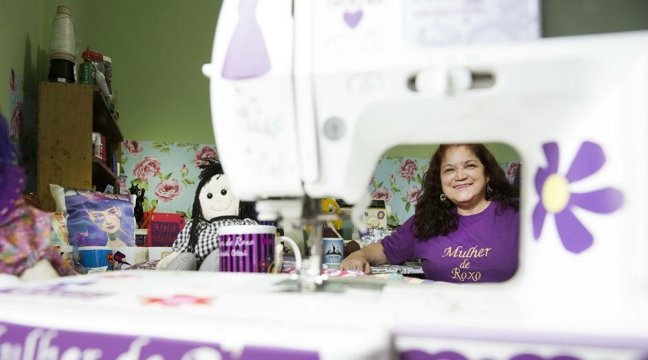 Maria do Carmo Paukoski, empreendedora na área de artesanato: oportunidade para aprender novas técnicas sem nenhum custo. (Foto: Patrícia Cruz /Sebrae-SP)