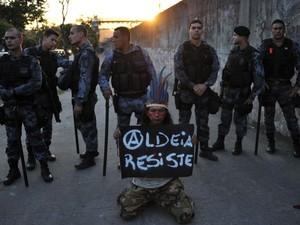 Índios querem retomar ocupação de imóvel  (Foto: Crédito: Tasso Marcelo/AFP)