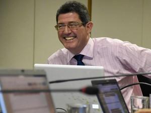 O ministro da Fazenda durante momento do bate-papo nesta sexta (Foto: Reprodução/Facebook)