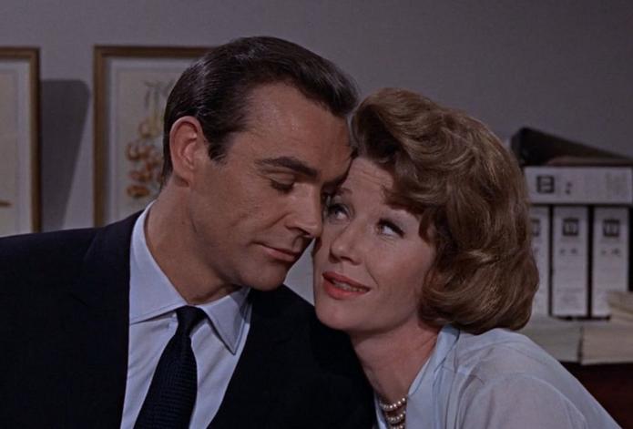 Moneypenny é uma famosa personagem de 007 (Foto: Reprodução/007James) (Foto: Moneypenny é uma famosa personagem de 007 (Foto: Reprodução/007James))