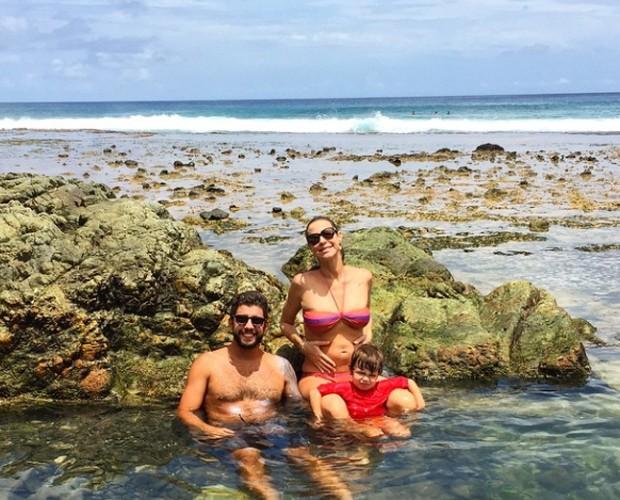 A atriz curte Fernando de Noronha com a família (Foto: Arquivo Pessoal)