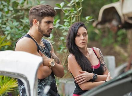 Grego surpreende Ximena ao contar que Gabo tentou matá-lo