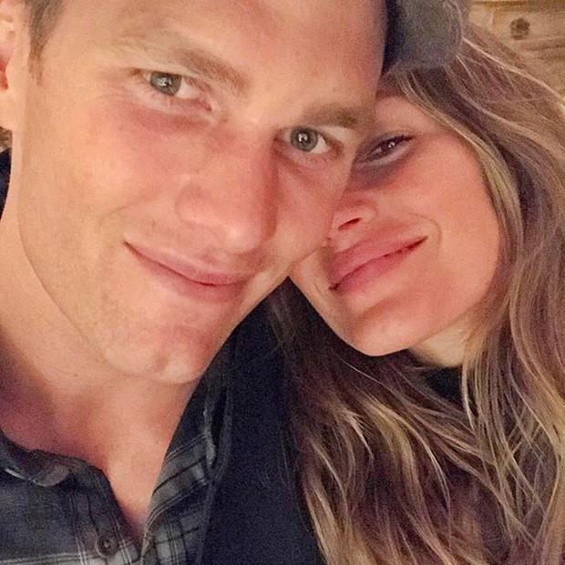 Gisele postou em seu Instagram uma foto com o amado, Tom Brady, e fez questão de agradecê-lo por tê-la levado ao show, dizendo que amou cada segundo (Foto: Reprodução/Instagram)