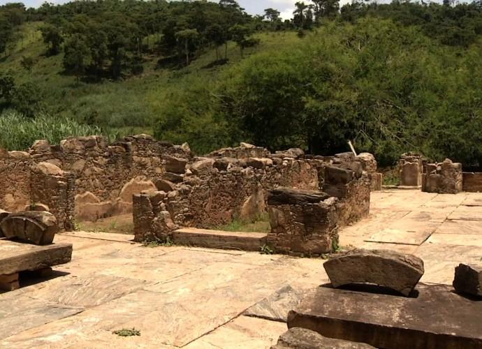 Programa reprisou o passeio que mostrou ruínas da antiga cidade de São João Marcos (Foto: Reprodução/ Rio Sul Revista )