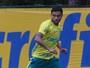 Palmeiras reforça meio, e Cleiton Xavier tem futuro indefinido no clube