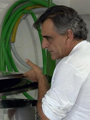 Empresário fez cervejaria artesanal em fazenda em Santa Rita do Sapucaí (Foto: Edson de Oliveira / EPTV)
