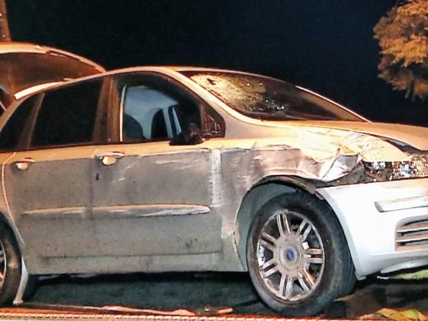 Veículo conduzido pelo motorista preso após o atropelamento (Foto: Paulo Ledur/RBS TV)