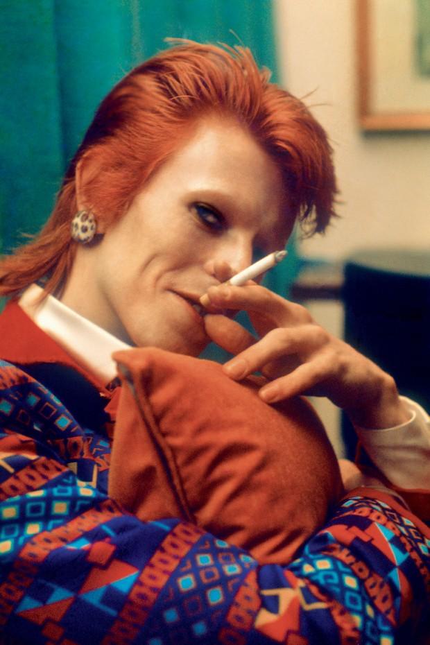 O ator, em 1973, em meio ao sucesso de Ziggy Stardust (Foto: Reprodução/Vogue Brasil)