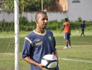 Atacante Moreno do Cuiabá-MT (Foto: Robson Boamorte/GLOBOESPORTE.COM)