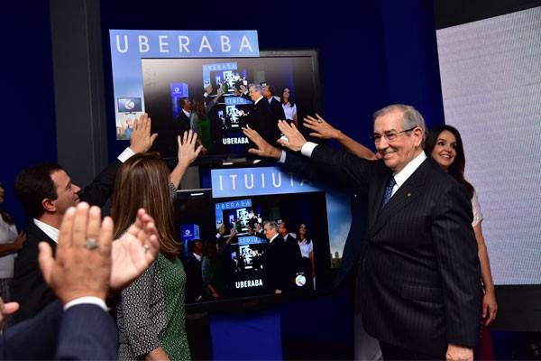 Momento do lançamento do sinal digital (Foto: Marise Romano)